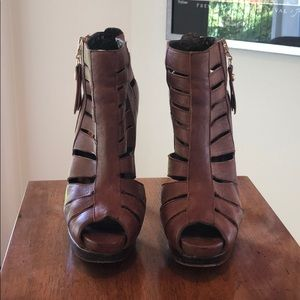 Stuart Weitzman Shoes - Stuart Weitzman brown booties